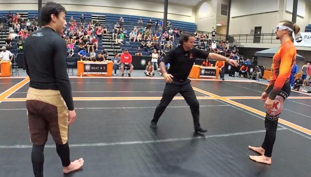 Blindfolded Black Belt Wins at Kakuto Challenge